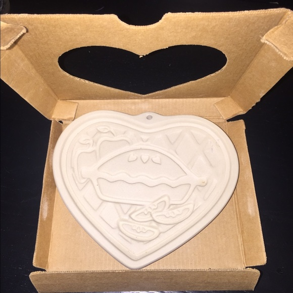 Pampered Chef Other - Pampered Chef 1998 Heart Stoneware Mold